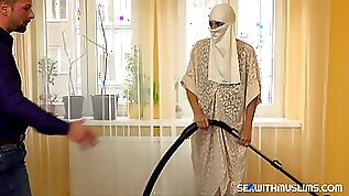 Muslim maid in white guy gets fucked hardcore penetration