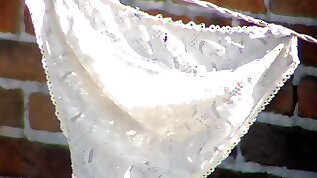 Pantaletas and lingeris de mi vecinita chulona