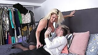 Blonde hottie likes to suck a dick before getting banged by big hard