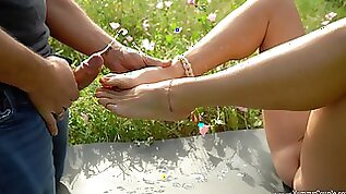 InCrEdibLe double cumshot on her cute feet