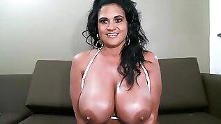 Bigtit Kailani Kai plays with round huge anal dildo