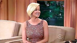 Kellie pickler good god! she is wearing that dress