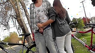 Lucky guy gets public outdoor blowjob from gf