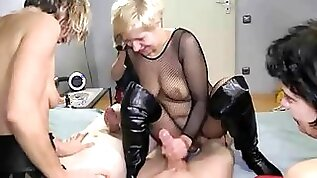 older ladies squirting and fucking