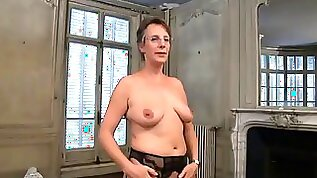 Married milf in the middle of a hot threesome