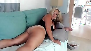 Florida blonde milf plays with tan lines and perfect ass