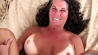 Sex interview with 40 yo old mommy who like to suck dick on a camera