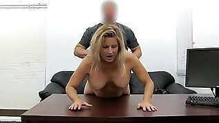 Blonde milf amateur fucked in her slutty pussy