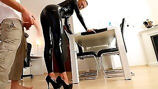 MILF black latex Extreme ANAL and facial
