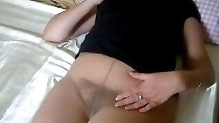 Pantyhose masturbate
