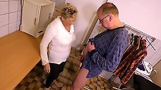Pee fetish old dude pisses on nasty chick before a steamy pussy pounding scene