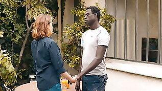 Emmanuelle Devos Nue dans Amin 2018