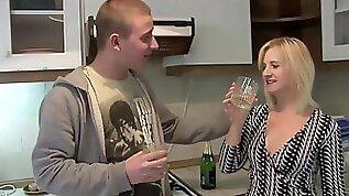 TuttiFrutti Slutty porn mom at home....